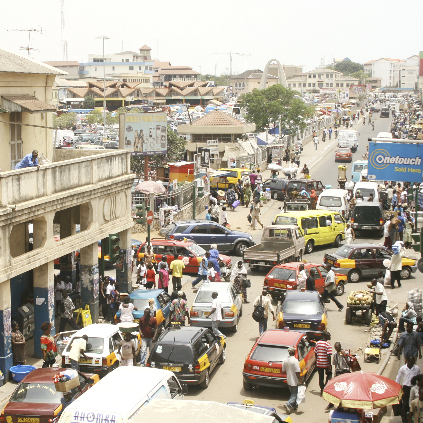 Congested traffic in Accra, Ghana. (stock image)