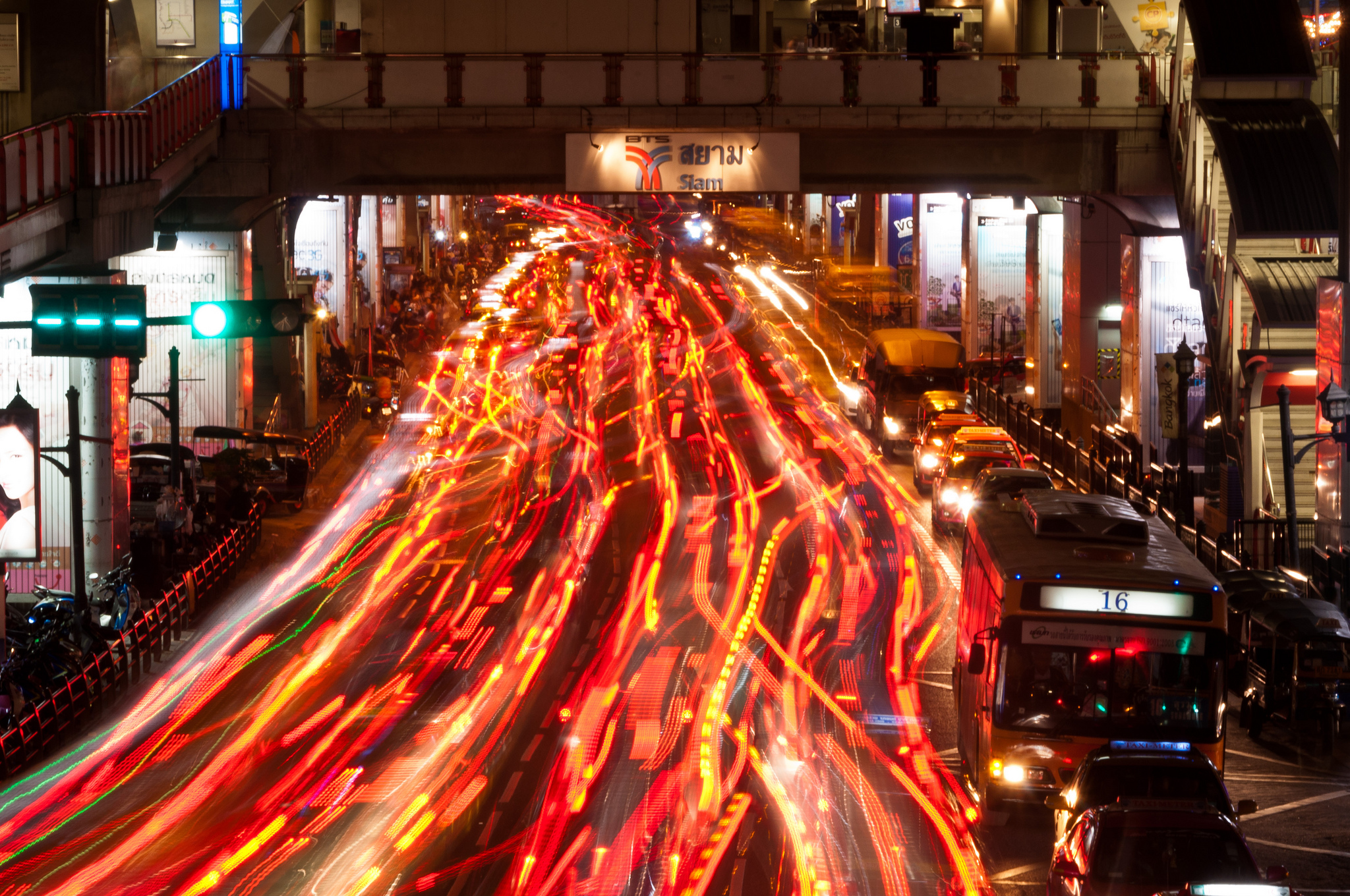Sunday evening traffic in Bangkok's Siam Square area. Image credit:Mark Fischer