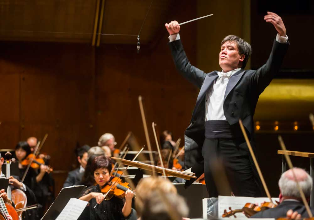 Alan Gilbert, NY Philharmonic conductor, photo by Chris Lee.