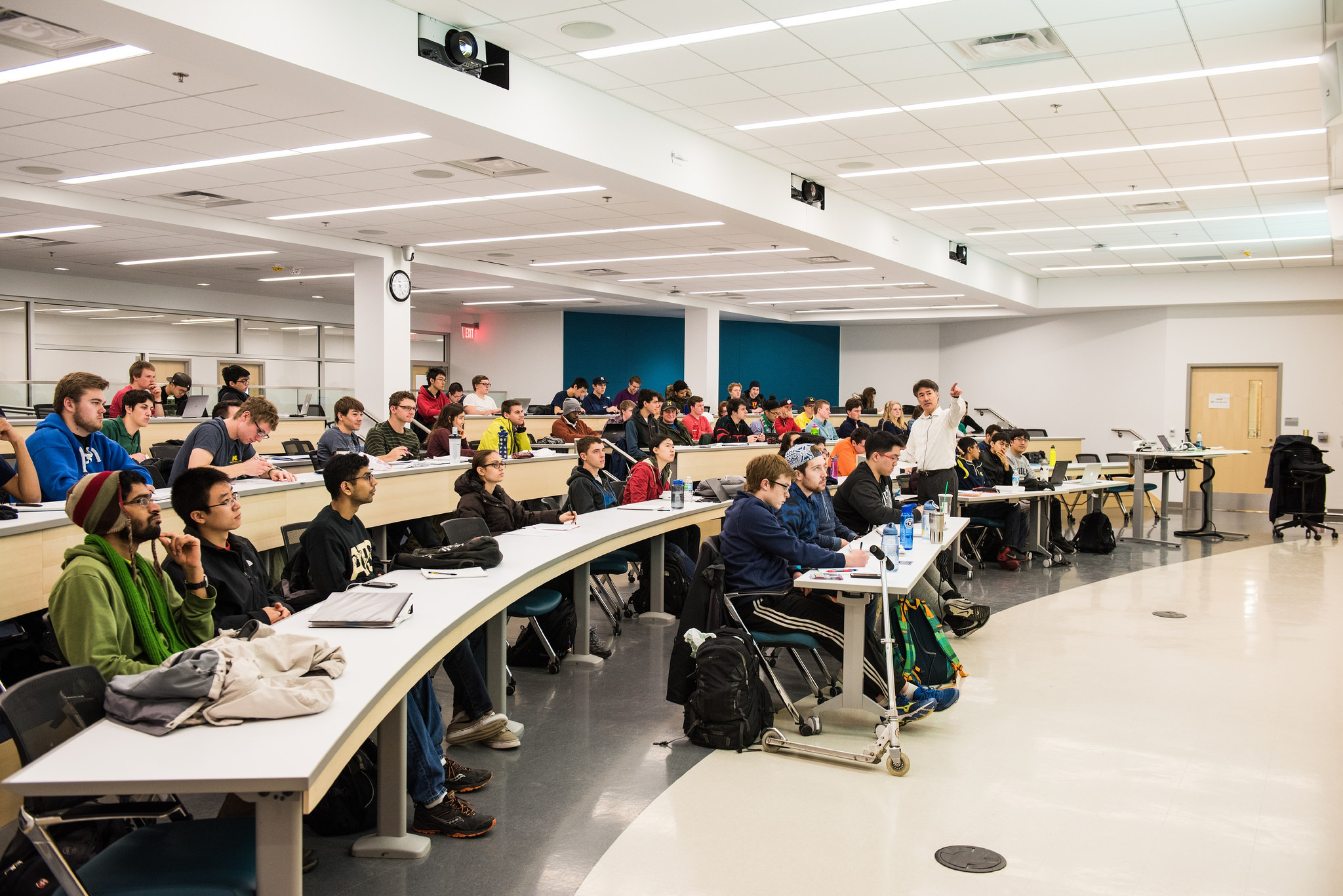 2/17/16 Students and faculty collaborating in shared spaces in the new GG Brown addition. Image credit: Austin Thomason, Michigan Photography