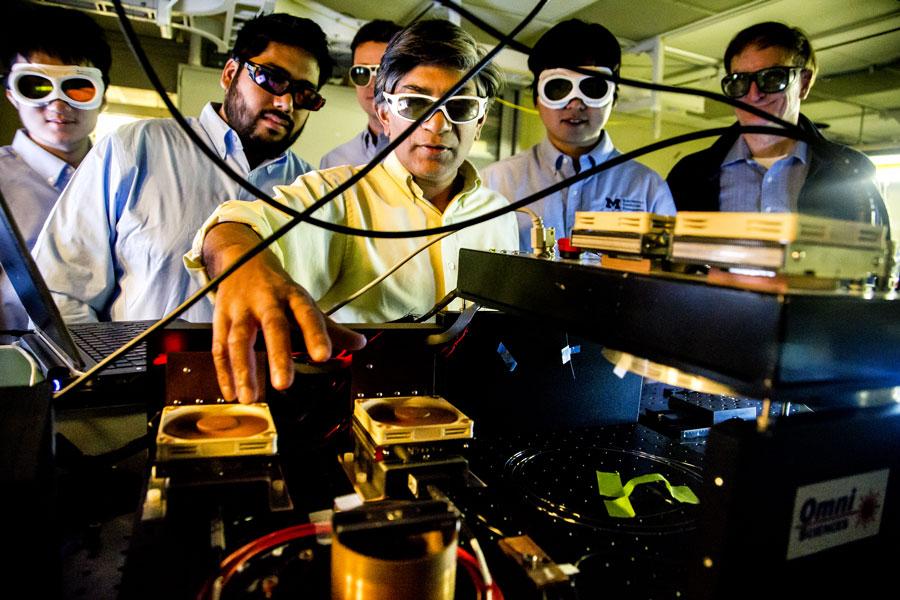 Demonstrating use of a chemical sensor prototype. Images credit: Joseph Xu, Michigan Engineering