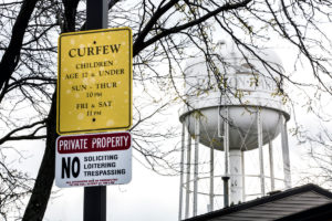 A water tower overseeing Benton Harbor, MI, a once prosperous city that has since been hit by an economic downturn with a national recession. Image credit: Joseph Xu