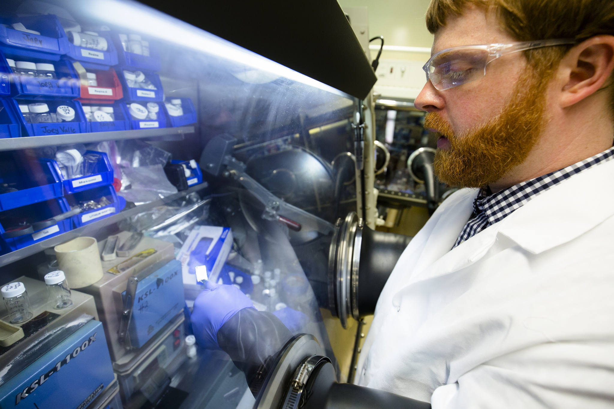 Battery Breakthrough Doubling Performance With Lithium Metal That Electrical Energy But Doesn39t Make A Complete Circuit Where Nathan Taylor Post Doctoral Fellow In Mechanical Engineering Inspects Piece Of