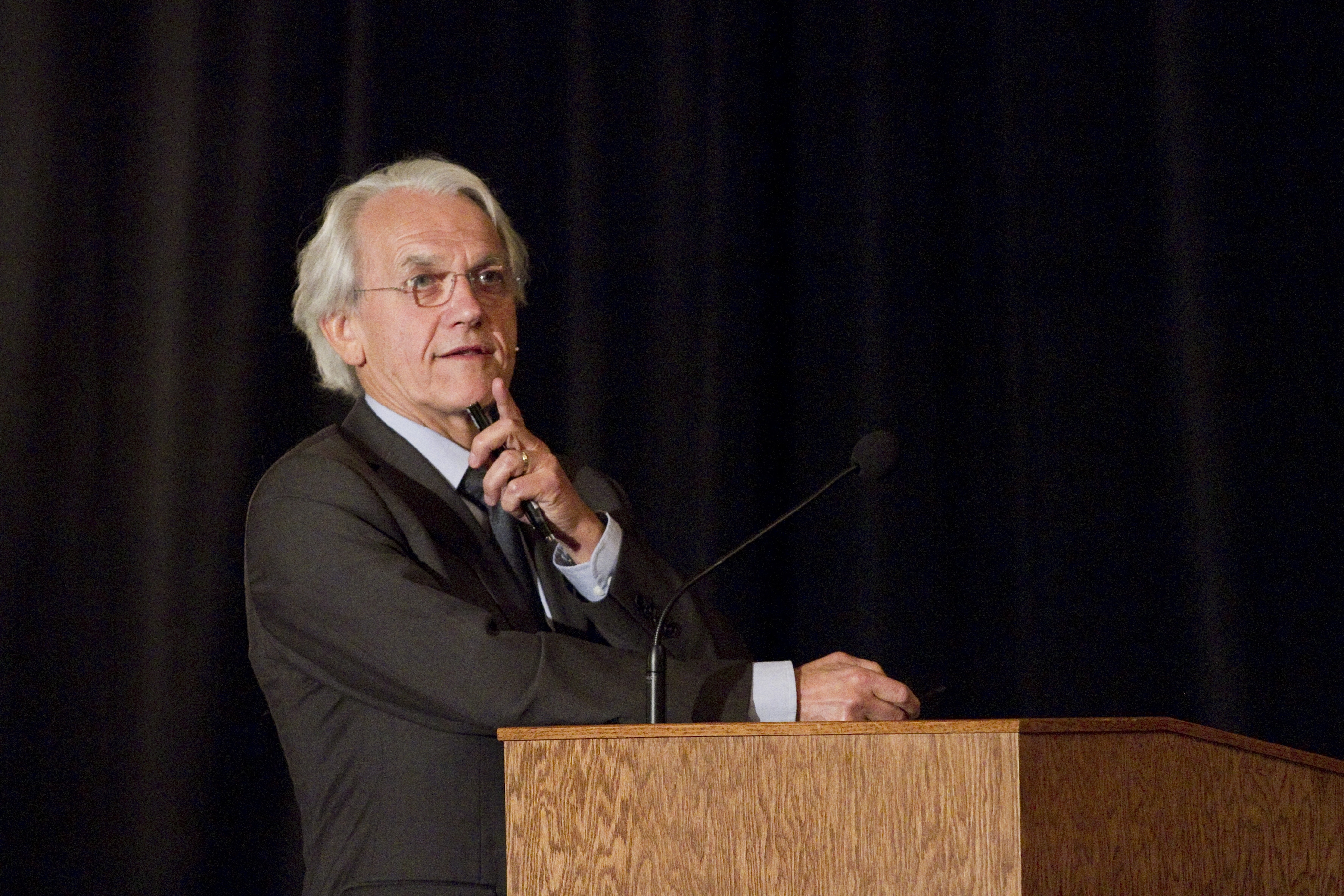 Former Michigan Engineering faculty member Dr. Gérard Mourou at Physics Symposium celebrating the 50th birthday of nonlinear optics on October 26th 2011. Image credit: Michigan Photography