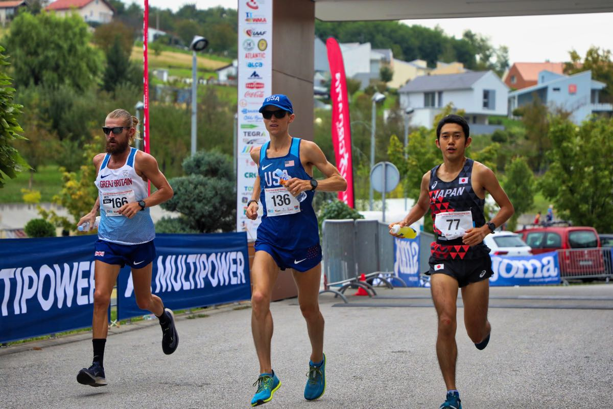 Elite marathoner and PhD student in kinesiology Geoff Burns (center) running in the 100K International Association of Ultrarunners World Championship in 2016. Image courtesy: IAU