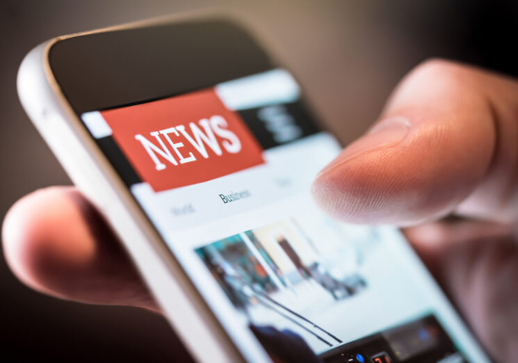 Image of a news on a smartphone.