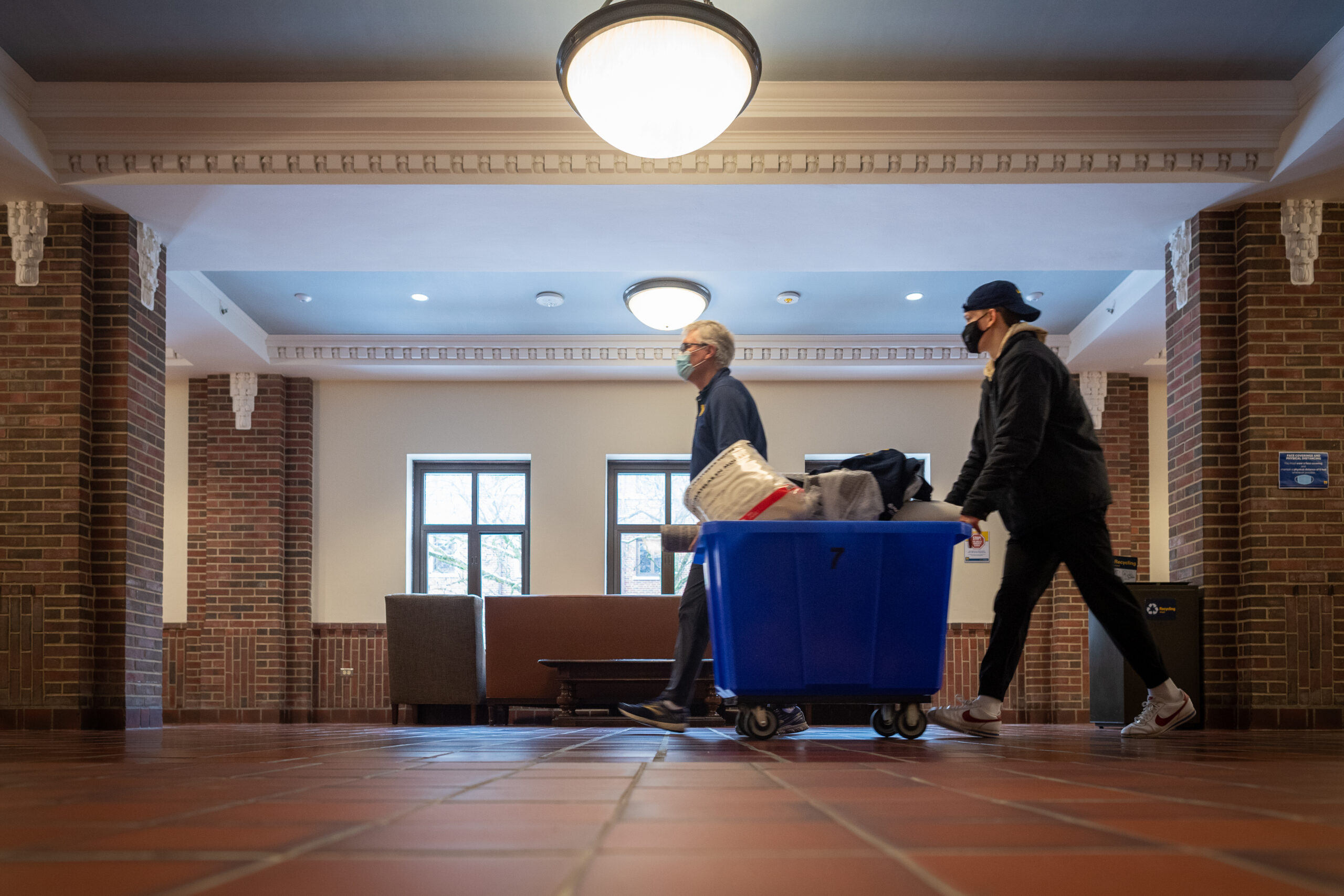 Move-In Day West and South Quad. Image credit: Michigan Photography.