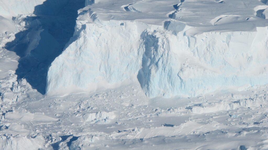 Thwaites glacier. Image credit: NASA/James Yungel