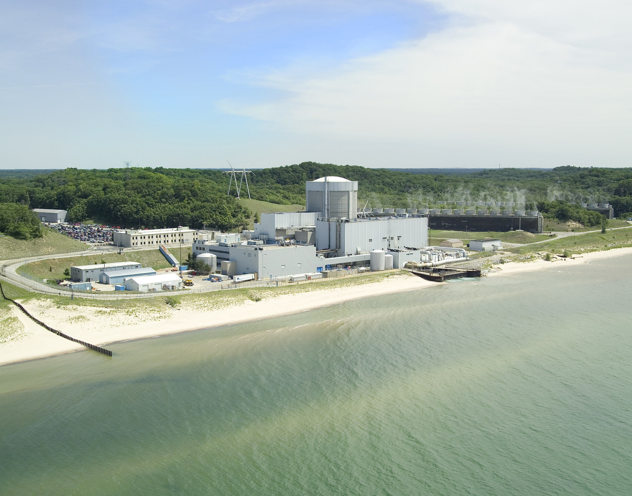Palisades Nuclear Plant. Image credit: Entergy Nuclear, Flickr