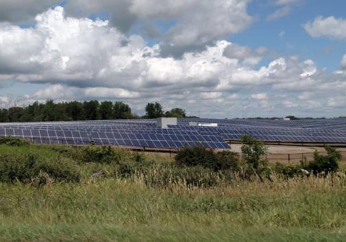 Lapeer Solar Park. Image credit: Bradley Neumann.